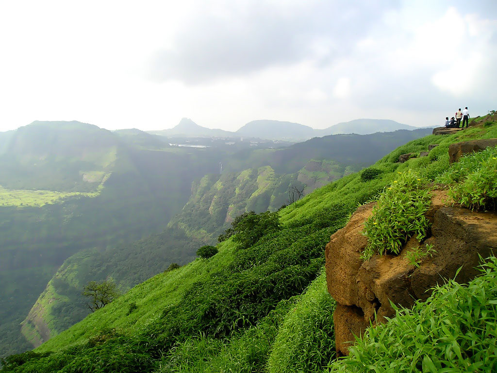 6 Reasons Why Lonavala Makes For The Perfect Budget Honeymoon Destination
